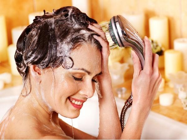 Cách làm đẹp tóc đơn giản bằng gội đầu đúng cách