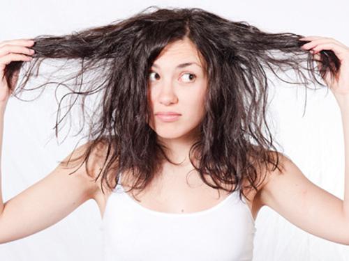 Bỏ túi cảm nang hạn chế tóc nhờn cho phái nữ