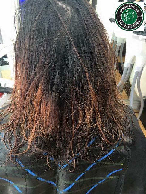 Phục hồi tóc nát và hư tổn nặng tại Quận 1