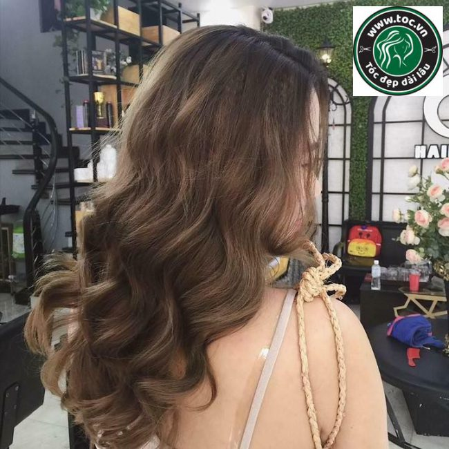 Kiểu tóc đẹp gợn sóng dài